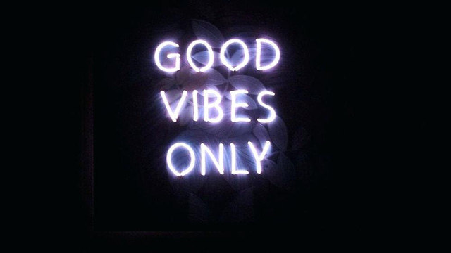 30-308377-good-vibes-only-wallpaper-neon-sign